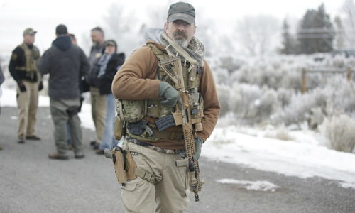 Oregon-Militia-Lone-Soldier-Armed-Sized